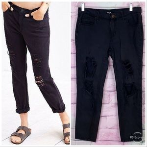 BDG UO slim boyfriend black distressed jeans 27